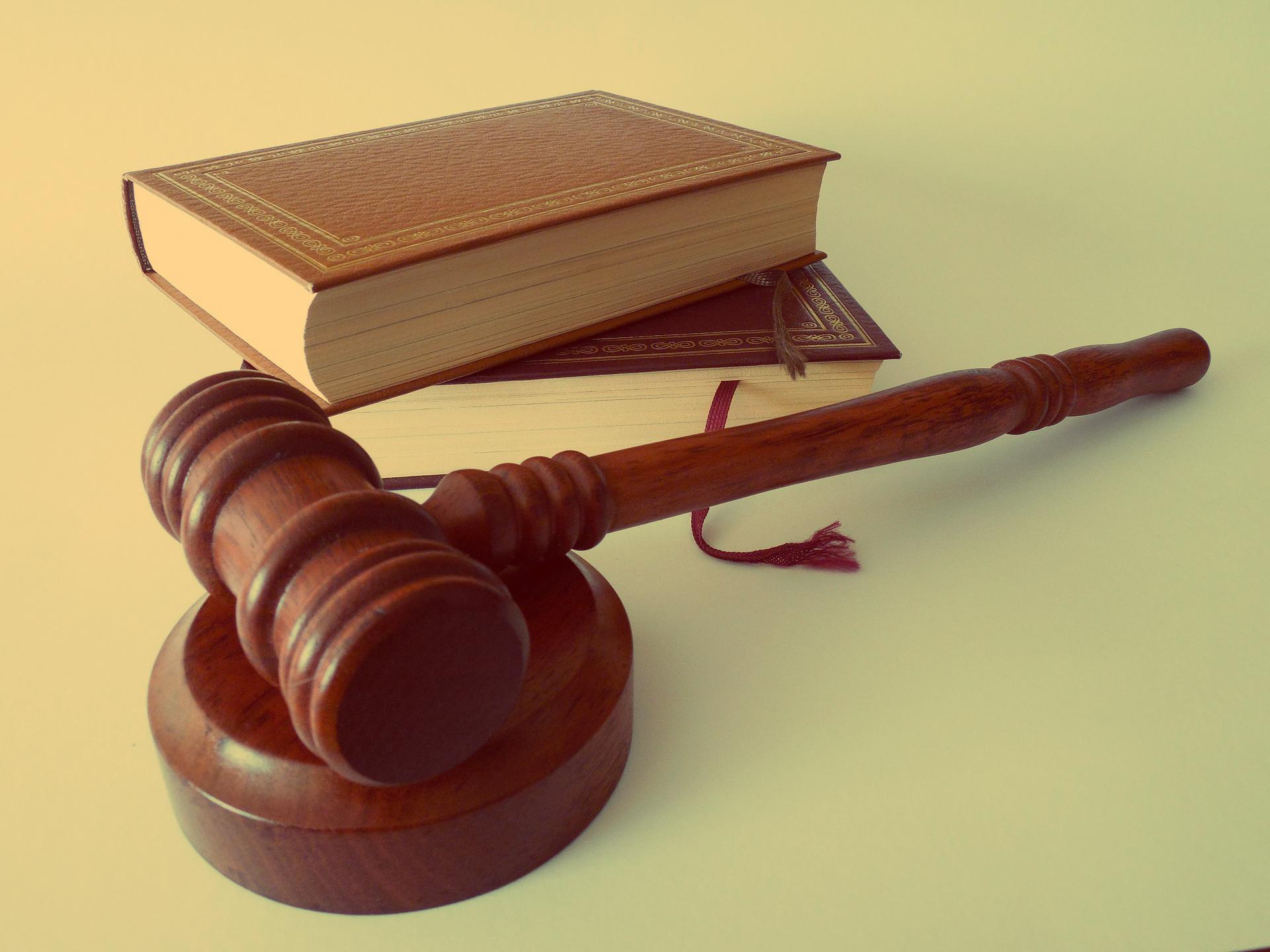 Усна та письмова юридична консультація